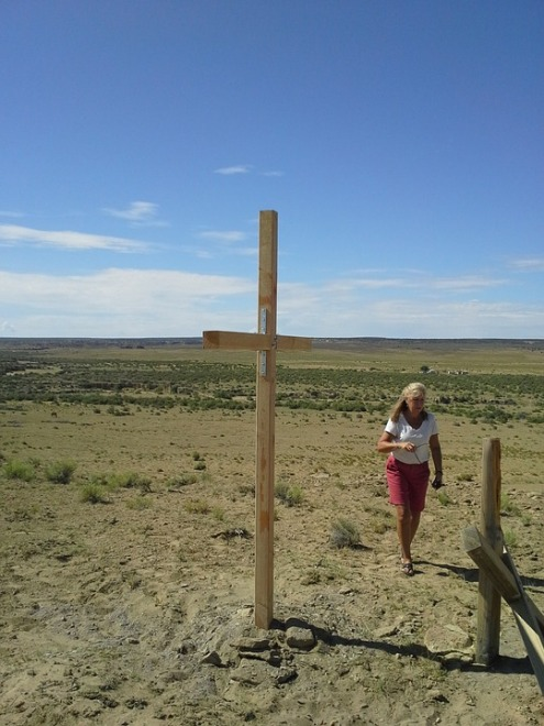Walk Mission Trip Woman Person Lonely Cross
