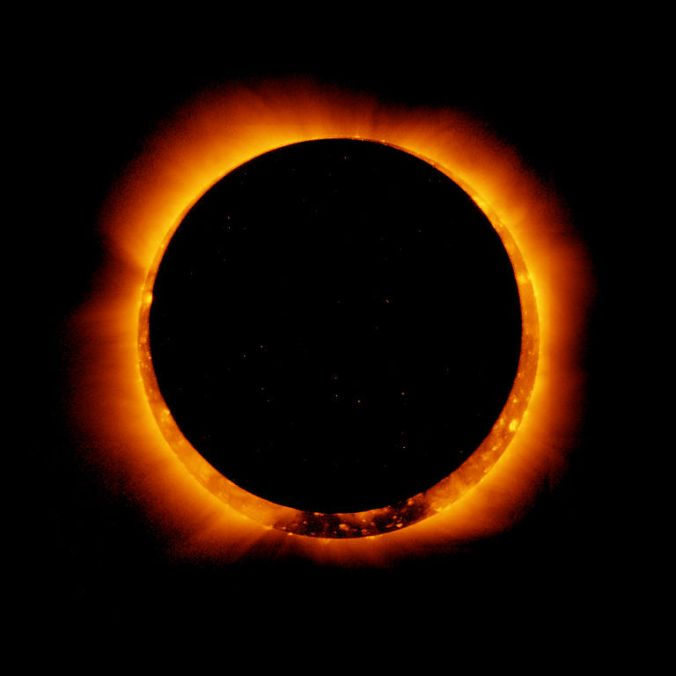 768px-hinode_observes_annular_solar_eclipse2c_4_jan_2011