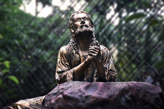statue-of-jesus-2329014_1920