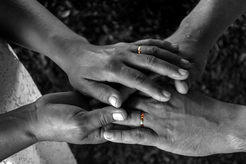 hands black
