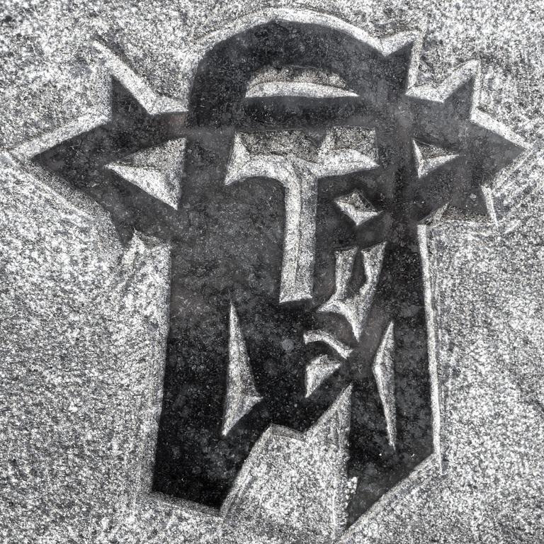 abstract-black-and-white-stone-symbol-cross-monochrome-815820-pxhere.com