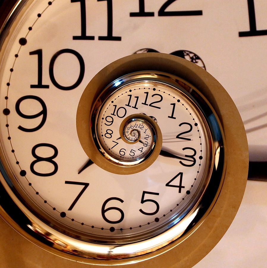 899px-eternal_clock