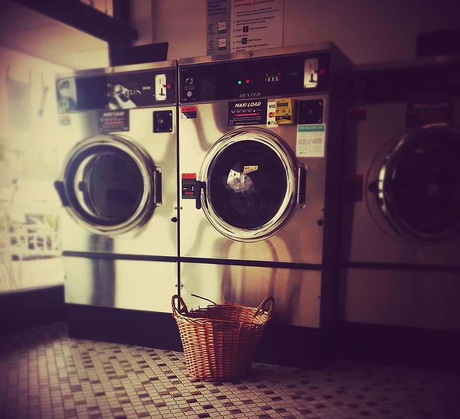 laundromat-launderette-washing-laundry
